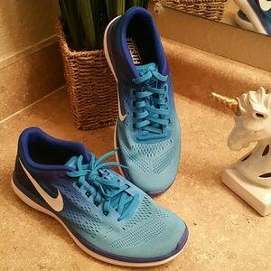 Nike Flex Run 2016 Running Shoes Size 9